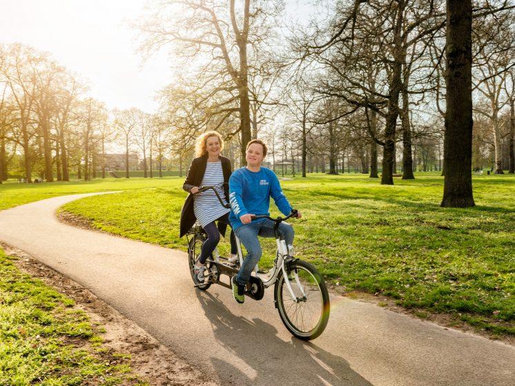 tandem fiets voor gehandicapten